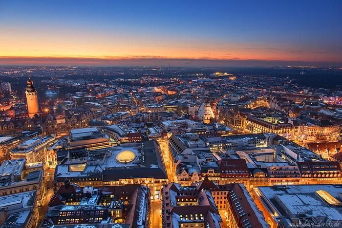 Leipzig von oben bei Nacht