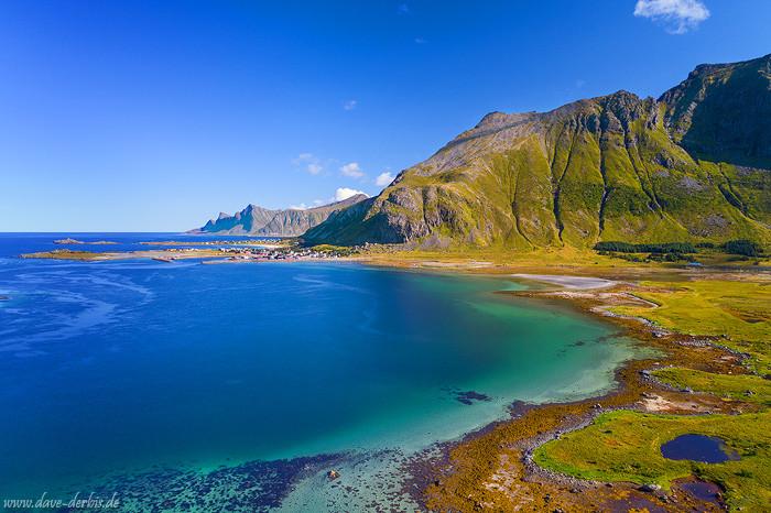 Arktische Bucht auf den Lofoten