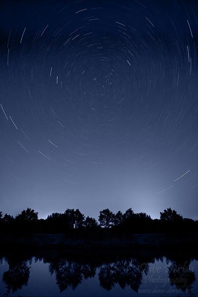 30 Startrails Minuten Belichtung des Nachthimmels + Spiegelung