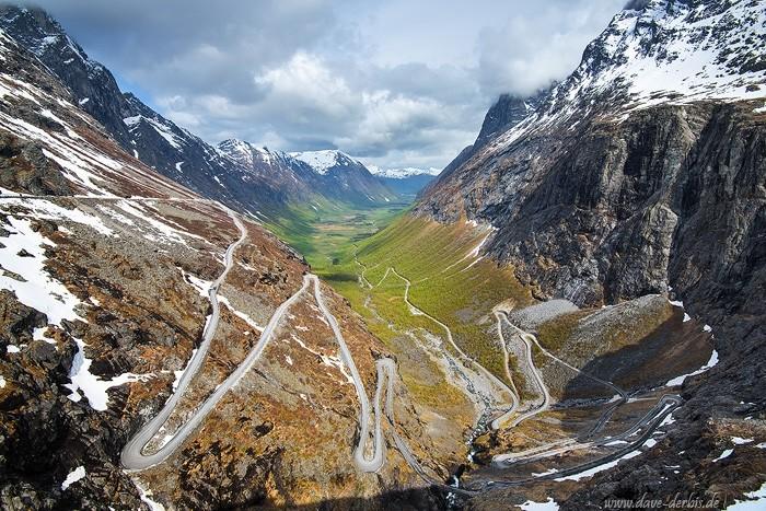 Der sehr bekannte Trollstigen bei Andalsnes in Romsdal