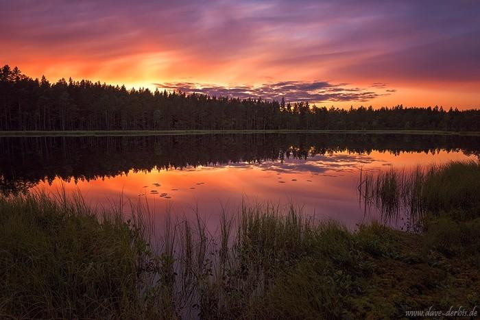 Sonnenuntergang am See in Schweden