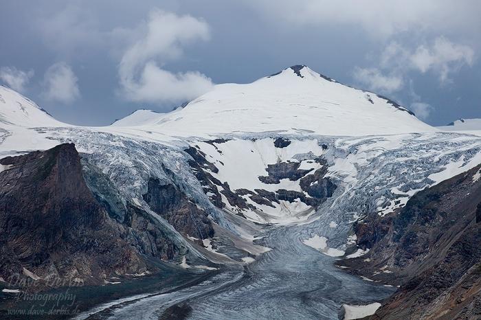 Schnee und Sturm am Gletscher